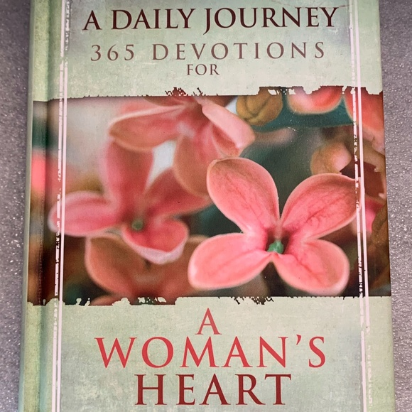 A Daily Journey 365 Devotions for a Woman's Heart